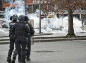 Lyon: Un lycéen blessé à l'œil porte plainte contre la police